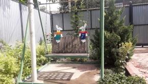 Зайчики на качели